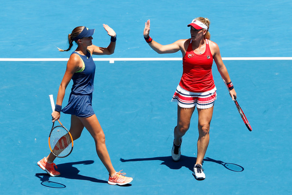 Babos and Mladenovic celebrates winning a point during their semifinal match | Photo: Michael Dodge/Getty Images AsiaPac