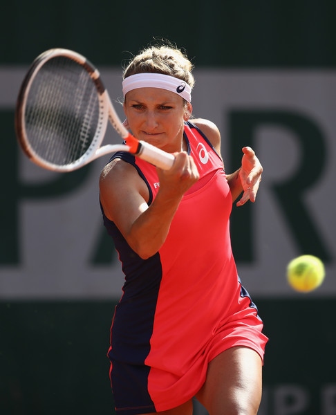Timea Bacsinszky safely books her spot in the third round | Photo: Julian Finney/Getty Images Europe