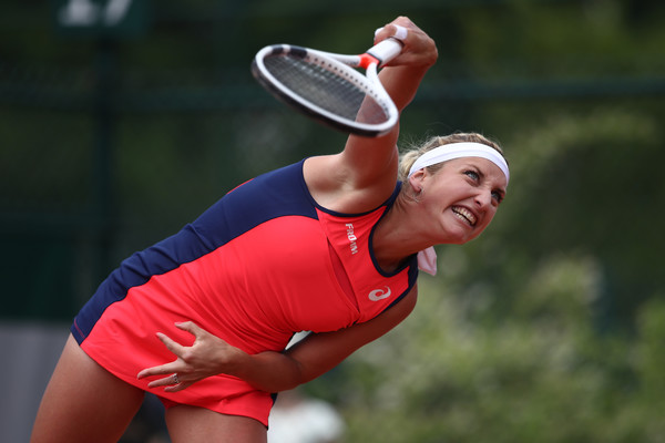 Timea Bacsinszky serves in the first round of the French Open | Photo: Julian Finney/Getty Images Europe
