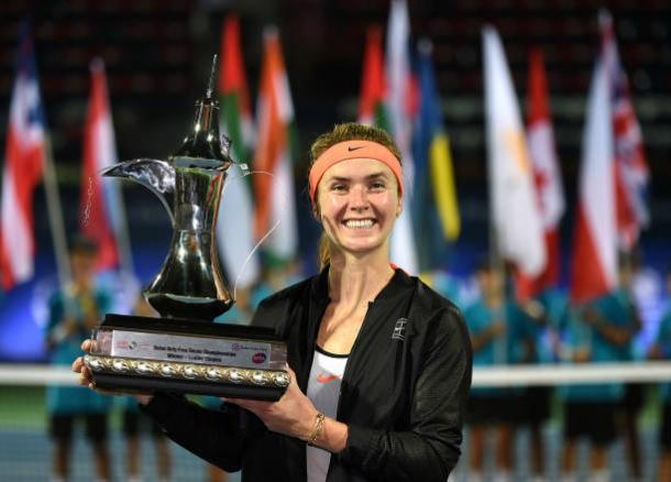 Elina Svitolina with the Dubai Tennis Championships trophy after defeating Caroline Wozniacki in the final (Getty/Tom Dulat)