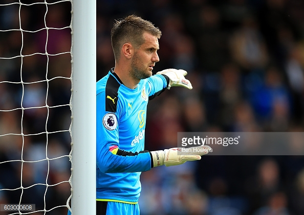 Tom Heaton directs his teammates (Photo: Getty Images)