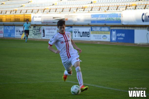 Toni frente al Caudal Deportivo   Foto: Jose Mendoza