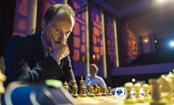 Topalov, protagonista pese a ir último. | Foto: Le ()