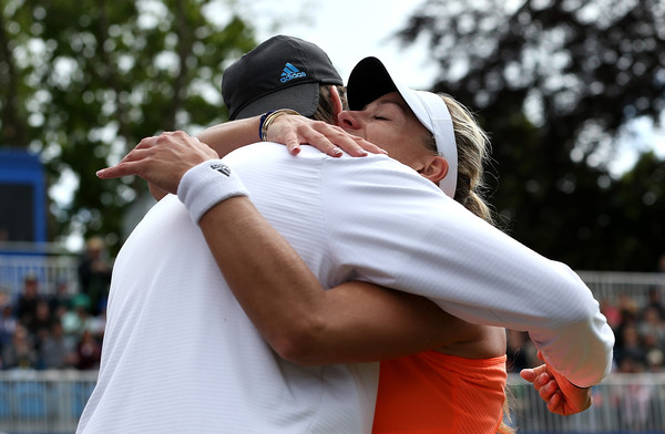 Kerber shares a hug with Beltz after claiming the title at the Aegon Classic in 2015 | Photo: Jan Kruger/Getty Images Europe