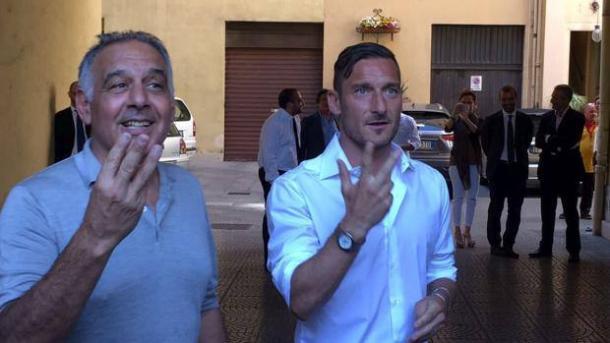 Totti e Pallotta al termine dell'incontro, gazzetta.it