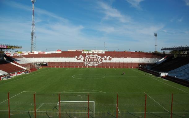 De frente se observa la tribuna visitante del estadio Ciudad de Lanús, la cual será ocupada por los hinchas de Temperley | Foto: Prensa Copa Argentina