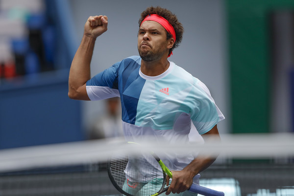 Jo-Wilfried Tsonga celebrates his win over Alexander Zverev. Photo: Lintao Zhang/Getty Images