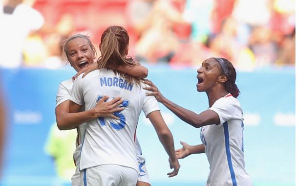 Alex Morgan celebrates her equaliser | Photo: Getty Images