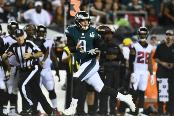 Nick Foles pulled off another trick play to change the momentum of the game | Source: Bill Streicher-USA TODAY Sports