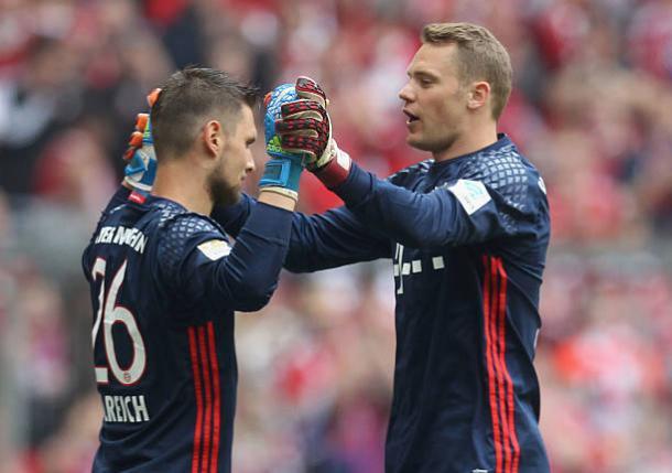Ulreich (esq.) tem sido o substituto do lesionado Neuer (dir.) no Bayern (Foto: A. Beier/Bayern München via Getty Images)