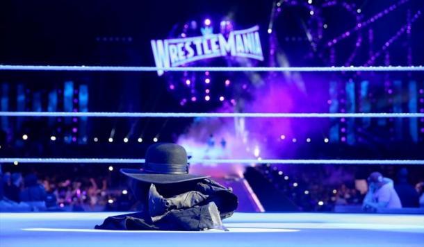 Ring tras el main evente de WM 33 entre Reigns y Undertaker. Foto: WWE.com