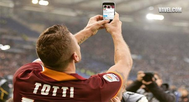 Francesco Totti keeps up to date through twitter even when playing, so what is your excuse not to follow? | Photo: Cammy Anderson/VAVEL