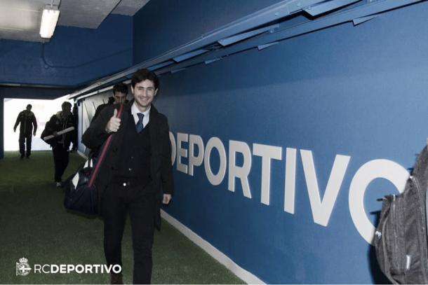 Víctor Sánchez en el túnel de vestuarios del Deportivo. Foto: RC Deportivo.
