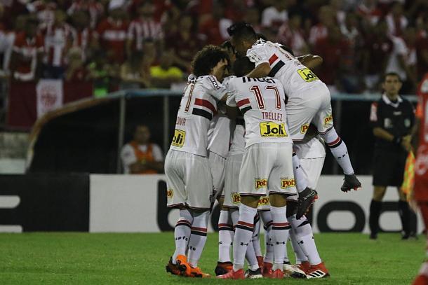 Equipe se comportou bem e garantiu classificação com vitória elástica em Maceió. (Foto: Rubens Chiri / saopaulofc.net)