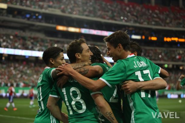 Mexico celebrates following the game's lone goal. | Photo: Jim Lacey/VAVEL USA