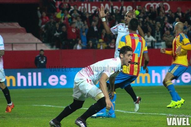 Escudero celebra un gol en el Pizjuán| Imagen: Juan Ignacio Lechuga (Vavel.com)