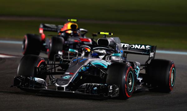 Valtteri Bottas, por delante de Max Verstappen en el Gran Premio de Abu Dabi | Fuente: Getty Images