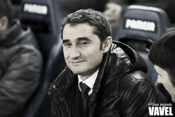 Valverde, sentado en el banquillo en una imagen de archivo | Fotografía: MªJosé Segovia / VAVEL