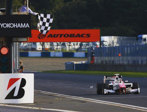 Em 2016, Vandoorne correu na Super Formula Japonesa (Foto: Divulgação/Stoffel Vandoorne)