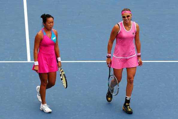 Vania King and Yaroslava Shvedova in action during 2012 | Photo: Matthew Stockman/Getty Images North America