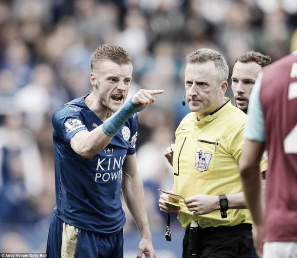 Above: Leicester City's Jamie Vardy shows his anger towards referee Jon Moss after been dismissed in West Ham United's 2-2 draw with Leicester City | Photo: Andy Hooper/ Daily Mail