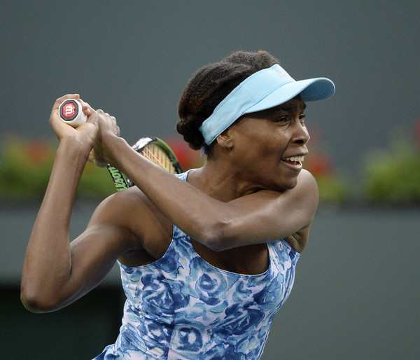 Venus hits a backhand in Indian Wells. Photo: Kevork Djansezian/Getty Images