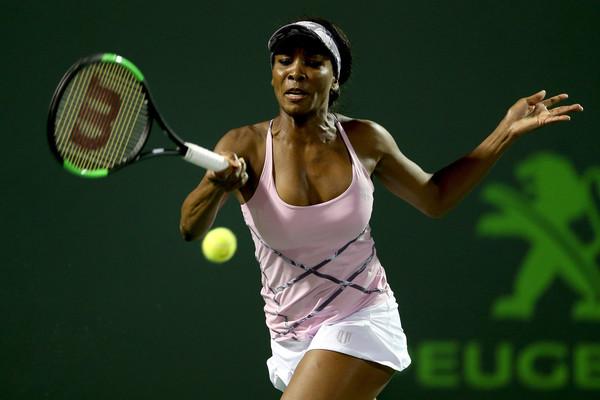 Venus Williams in action | Photo: Matthew Stockman/Getty Images North America