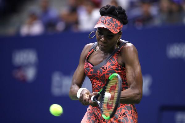 Venus Williams in her quarterfinal win over Kvitova | Photo: Matthew Stockman/Getty Images North America
