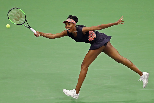 Venus Williams retrieves a shot | Photo: Al Bello/Getty Images North America