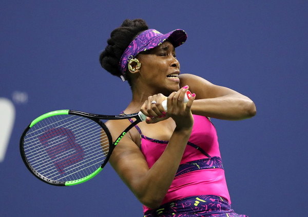 It was a night of frustration for Venus Williams, who just could not get going | Photo: Elsa/Getty Images North America
