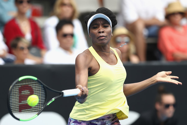 Venus Williams hits a forehand during her first-round match against Jade Lewis at the 2017 ASB Classic. | Photo: Phil Walter/Getty Images