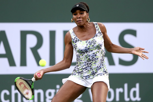 Venus Williams overcame a slow start to take a 5-2 lead in the opening set | Photo: Matthew Stockman/Getty Images North America