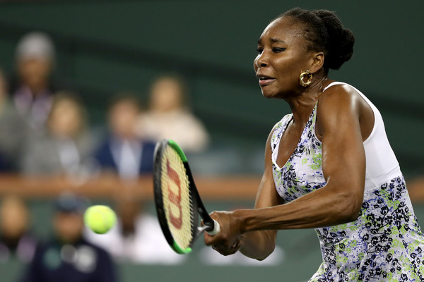 Venus Williams fought back to take the opening set 6-4 after a marathon 50 minutes | Photo: Matthew Stockman/Getty Images North America