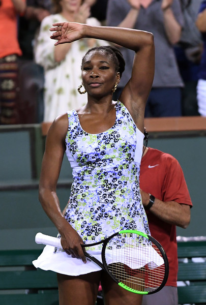 Venus Williams does her famous trademark celebration after winning the match | Photo: Kevork Djansezian/Getty Images North America