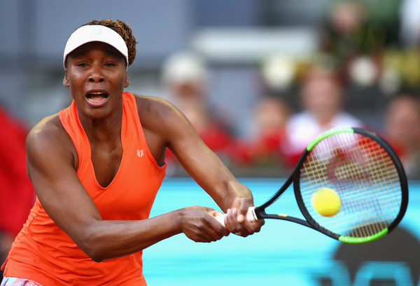 Venus Williams comfortably took the opening set 6-3 having lost just five points on serve | Photo: Clive Brunskill/Getty Images Europe