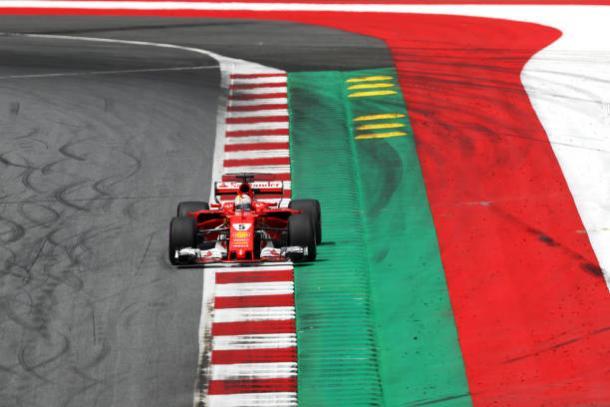 Vettel foi o segundo e aumentou sua vantagem na liderança do campeonato (Foto: Lars Baron/Getty Images)