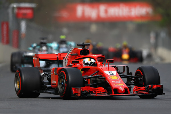 Vettel durante la carrera en Bakú | Getty Images Europe.