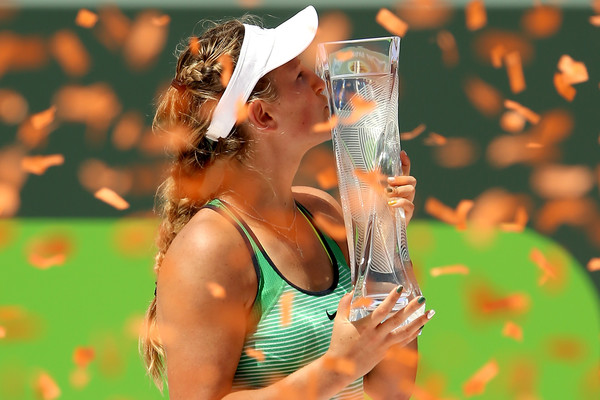 Azarenka poses with her Miami Open trophy in 2016 (Matthew Stockman/Getty Images North America)