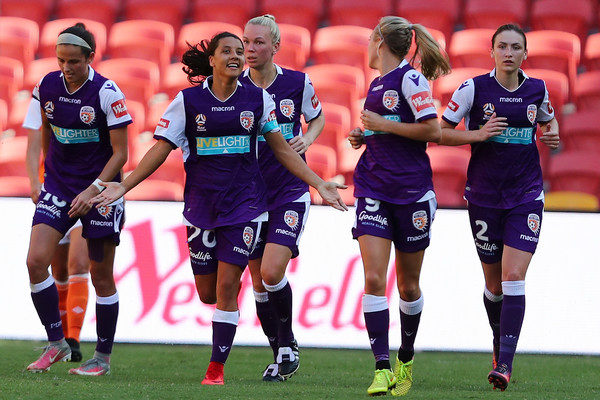 Sam Kerr celebrates after scoring against Brisbane Roar | Photo: Chris Hyde - Getty Images