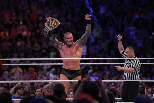 Randy Orton se coronó campeón. | Foto: WWE