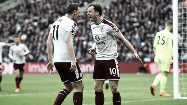 Wood y Barnes están sacando adelante a un Burnley que no había ganado hace 12 fechas | Foto: Burnley