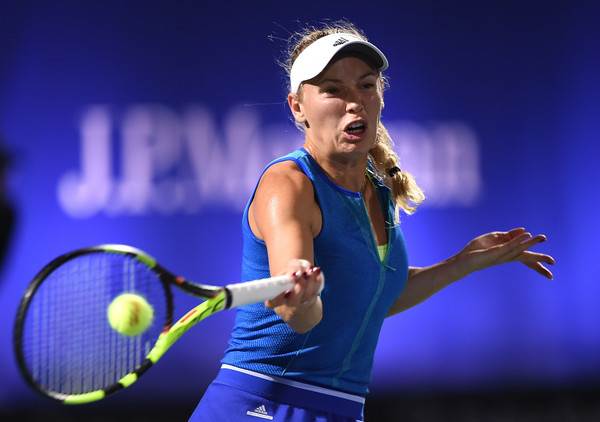 Caroline Wozniacki looked very solid in her service games today | Photo: Tom Dulat/Getty Images Europe