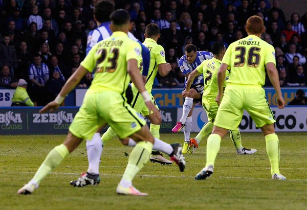 Wallace slams home. | Image: Sheffield Wednesday