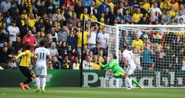 Capoue strikes first for the hosts (photo : The Mirror)