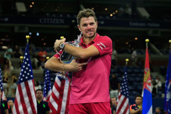 Stan Wawrinka holds his US Open trophy. Photo: Getty Images