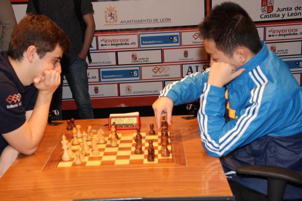 Jaime Santos y Wei Yi. || Foto: http://www.advancedchessleon.com/
