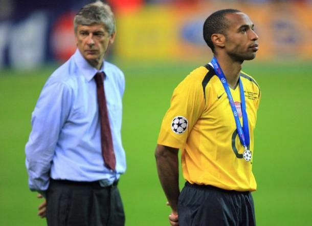 Wenger y Henry tras perder la final de la Champions League. Foto: Getty Images.