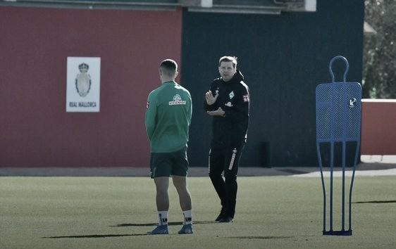 O Werder Bremen treina em Mallorca, na Espanha. Fonte: twitter @werderbremen
