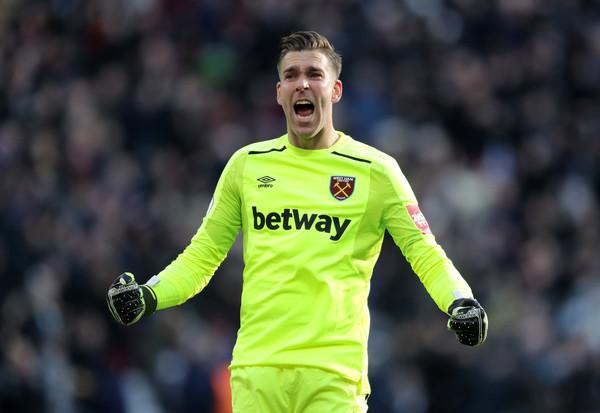 Adrián celebra el gol de Arnautovic. Foto: Getty Images