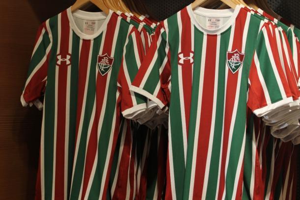 A nova camisa tricolor foi baseada na camisa da Máquina Tricolor da década de 70 (Foto: Bruna Alvarado/VAVEL)